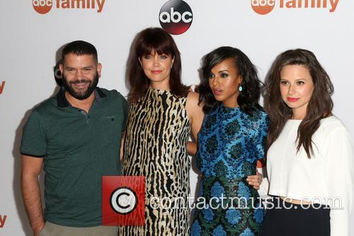 Guillermo Diaz, Bellamy Young, Kerry Washington and Katie Lowes 6
