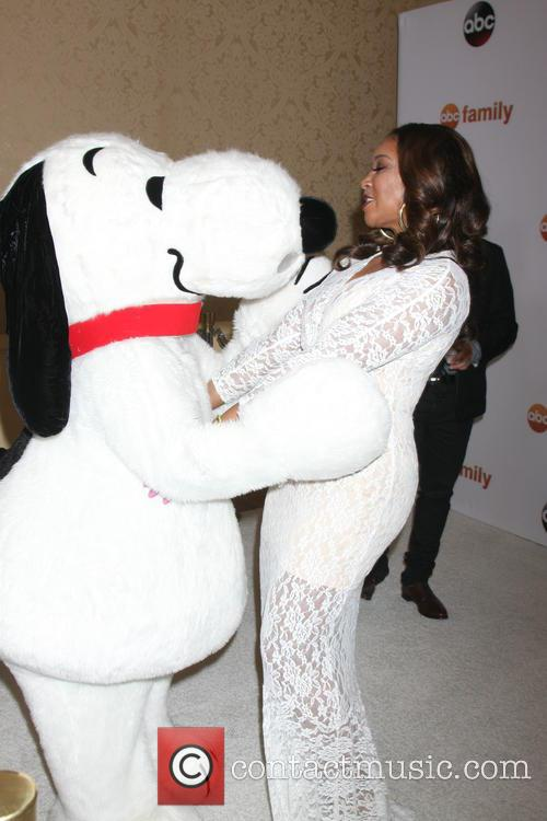 Snoopy and Tamala Jones 6