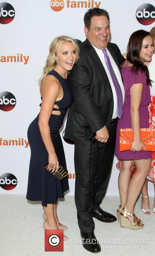Emily Osment, Jeff Garlin and Hayley Orrantia 7
