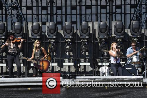 Maddie and Tae 5