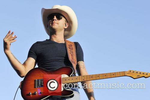 Justin Moore 7