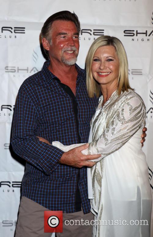 Olivia Newton-john and John Easterling 4