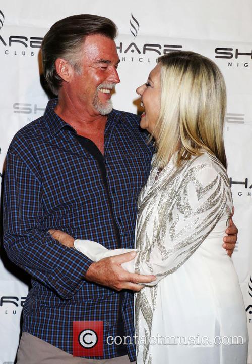 Olivia Newton-john and John Easterling 1