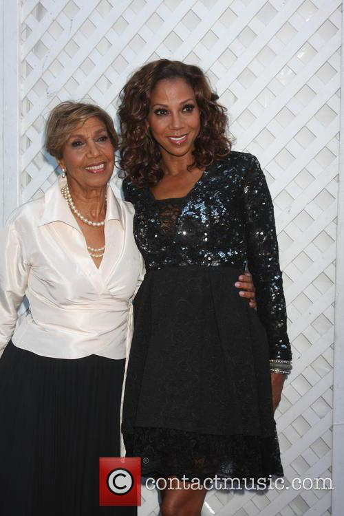 Delores Robinson and Holly Robinson Peete 1