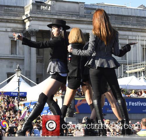 F(x) Amber, Victoria, Luna and Krystal 1