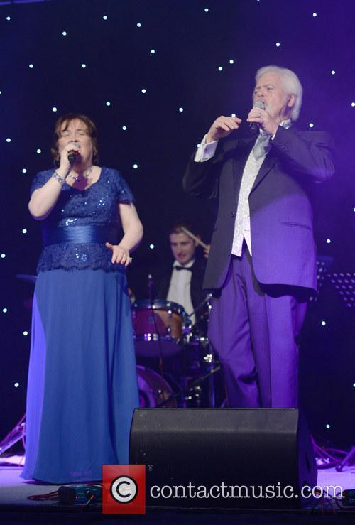 Susan Boyle and Merrill Osmond 4