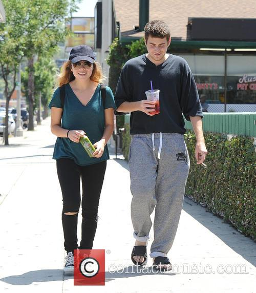 Jennette McCurdy and Jesse Carere take a walk...