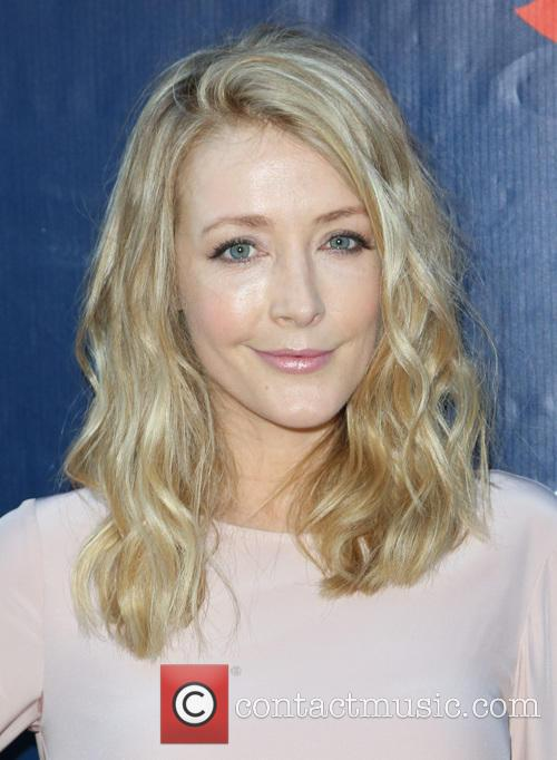 Jennifer Finnigan 4