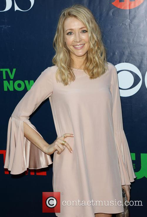 Jennifer Finnigan 8