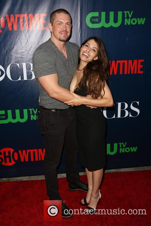 Steve Howey and Sarah Shahi 1
