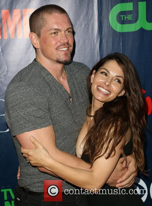 Steve Howey and Sarah Shahi 9
