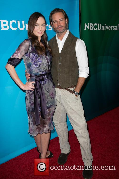 Sarah Wayne Callies and Josh Holloway 2