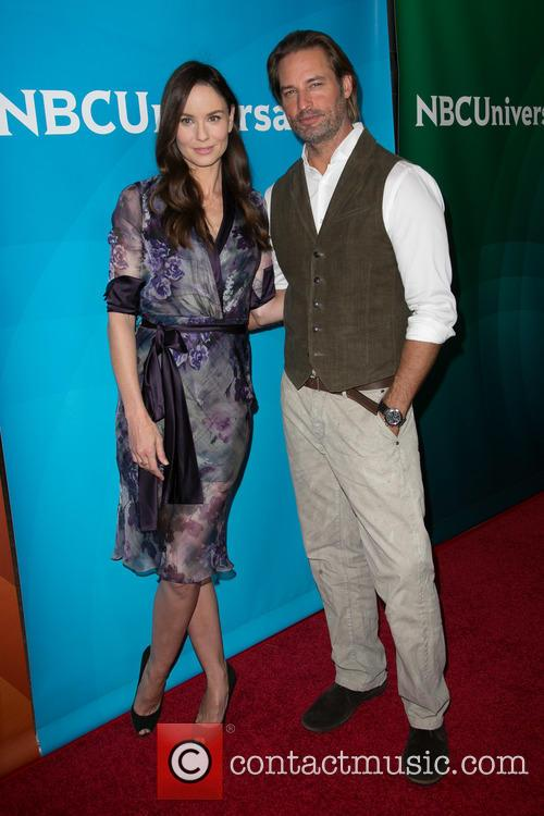 Sarah Wayne Callies and Josh Holloway 5