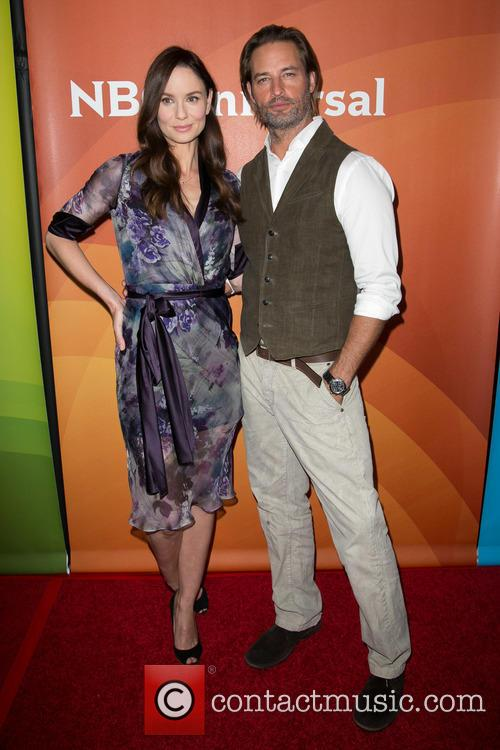 Sarah Wayne Callies and Josh Holloway 6