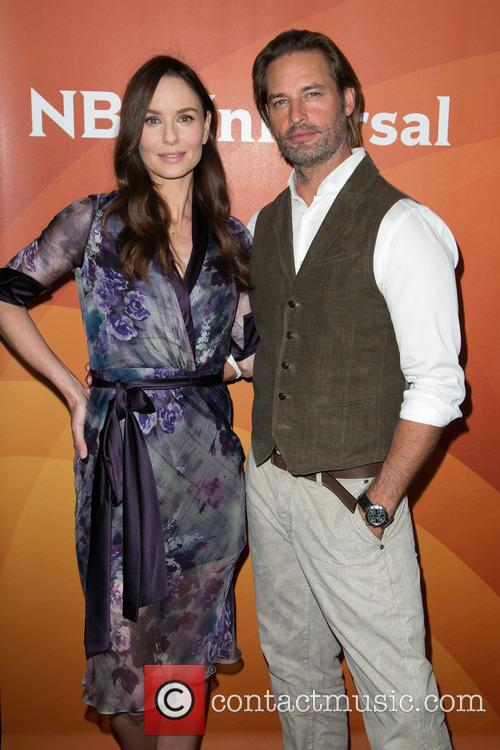 Sarah Wayne Callies and Josh Holloway 7