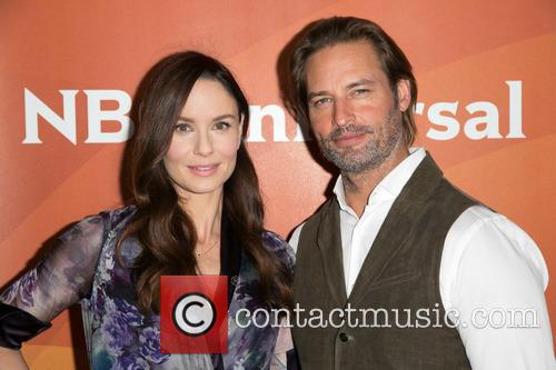 Sarah Wayne Callies and Josh Holloway 9