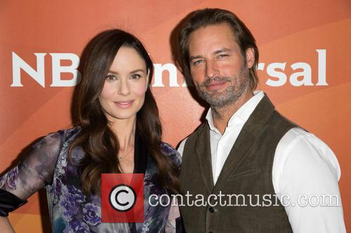Sarah Wayne Callies and Josh Holloway 1