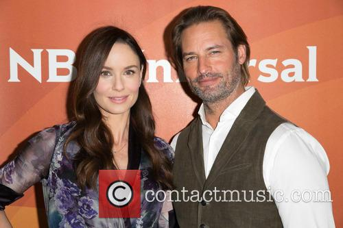 Sarah Wayne Callies and Josh Holloway 10