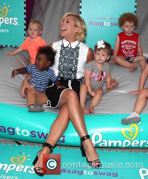 Jane Krakowski and And Kids 6