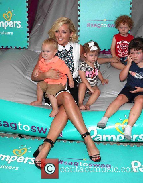 Jane Krakowski and And Kids 7