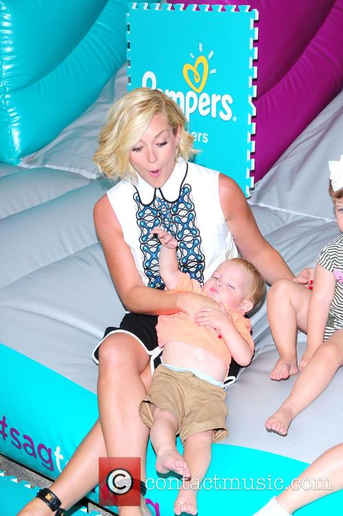 Jane Krakowski attends pampers cruisers #SagToTag tour