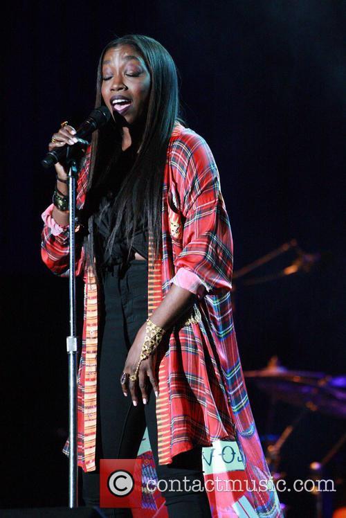 Estelle performing live