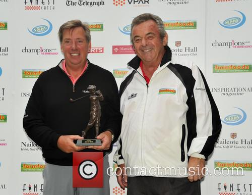 Barry Lane (winnner Farmfoods Bp3 Championship) and Tony Jacklin Cbe 2