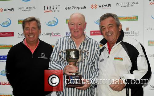 Barry Lane (winnner Farmfoods Bp3 Championship) and Tony Jacklin Cbe 1