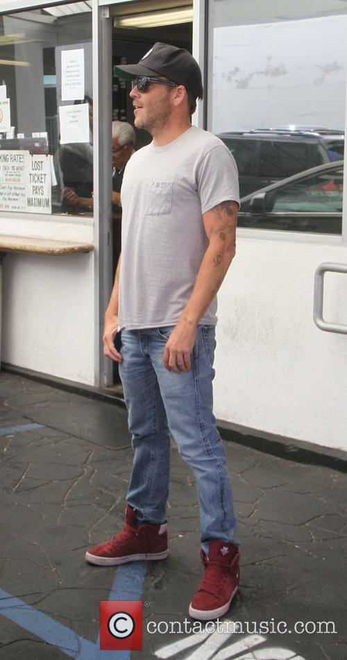Stephen Dorff stops for lunch at E Baldi