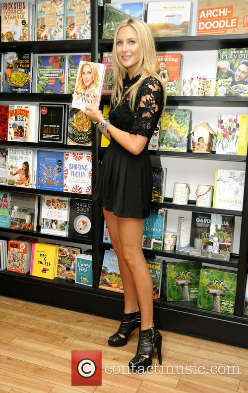 Stephanie Pratt signs copies of her new book...