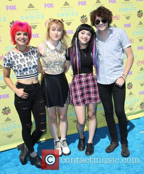 Teen Choice Awards and Hey Violet 1