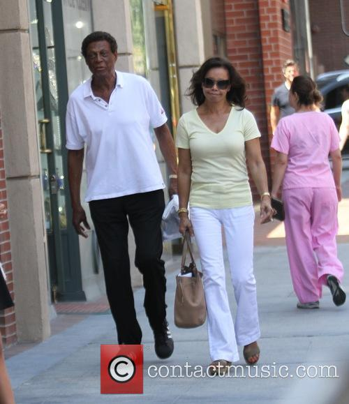 Elgin Baylor and Elaine Baylor 3