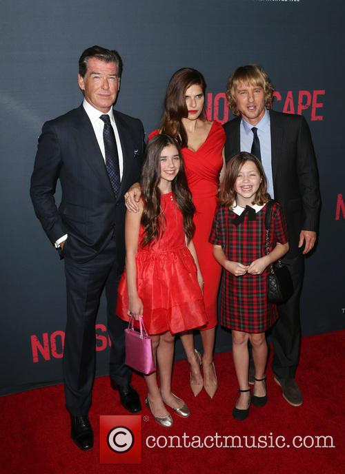 Owen Wilson, Lake Bell, Pierce Brosnan, Sterling Jerins and Claire Geare 2