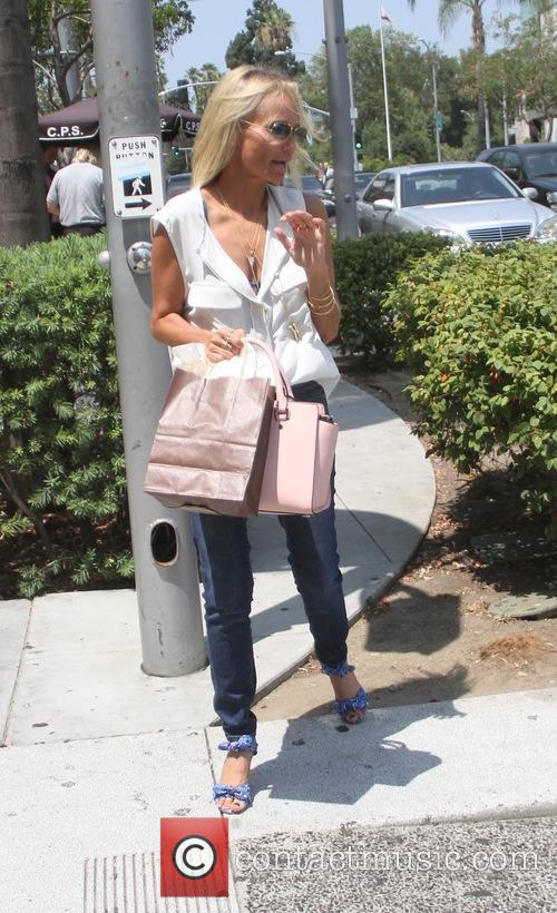 Kristin Chenoweth 9