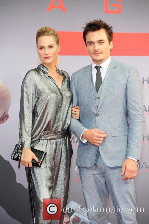 Aimee Mullins and Rupert Friend 4