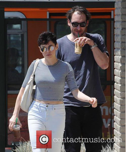 Rose Mcgowan and Davey Detail 7