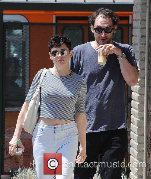 Rose Mcgowan and Davey Detail 8