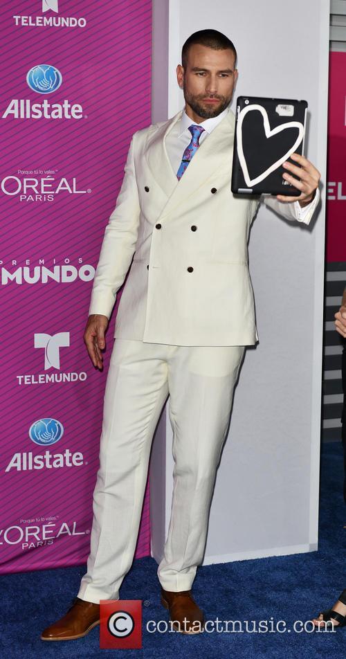 Rafael Amaya 1