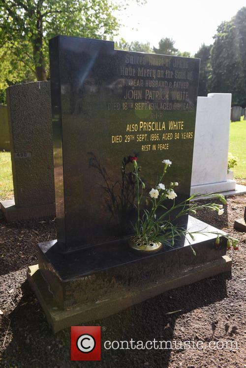 Cilla Black and Cilla Blacks Grave 6