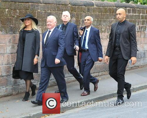 Carol Vorderman, Les Dennis and Guests 4