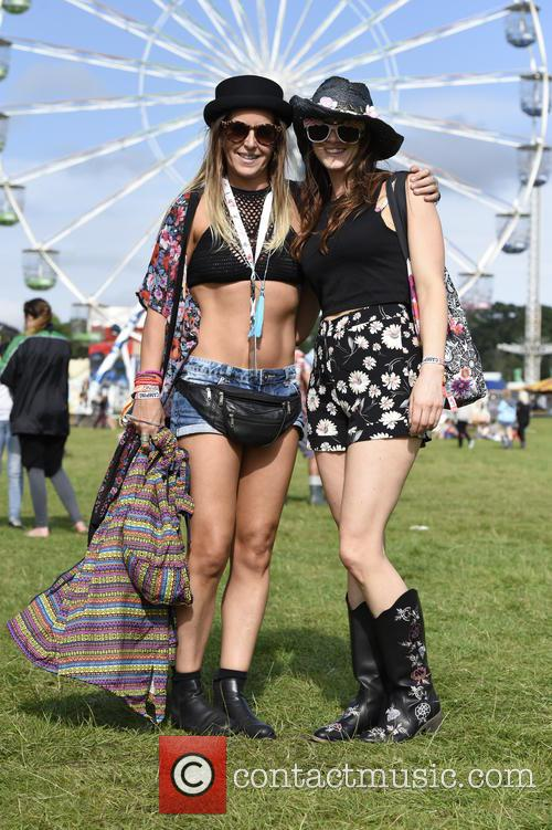 V Festival, Birthday Party and Atmosphere 5