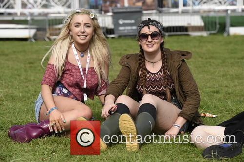 V Festival, Birthday Party and Atmosphere 7