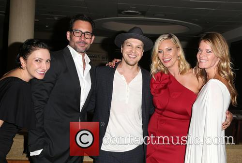 Lilith Berdischewsky, Lawrence Zarian, Gavin Degraw, Natasha Henstridge and Michelle Stafford 5