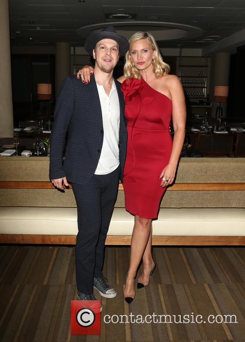 Gavin Degraw and Natasha Henstridge 2