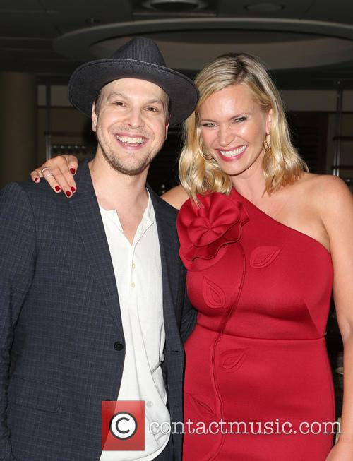 Gavin Degraw and Natasha Henstridge 5