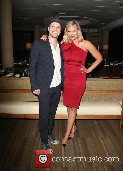 Gavin Degraw and Natasha Henstridge 6