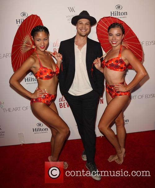 Gavin Degraw and Aqualillies 2