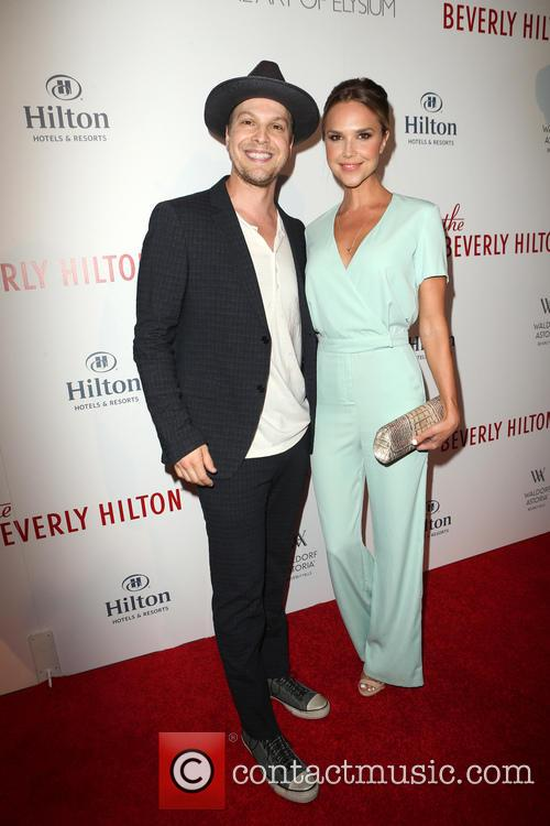 Gavin Degraw and Arielle Kebbel 3