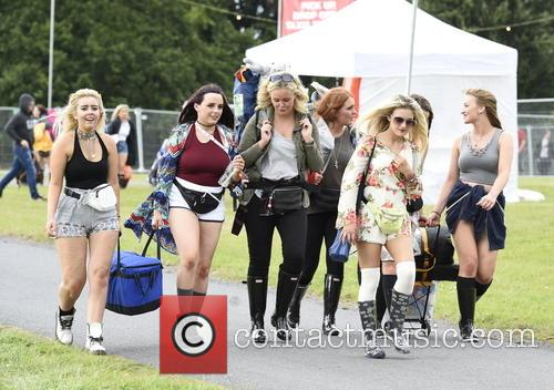 V Festival, Birthday Party and Atmosphere 10
