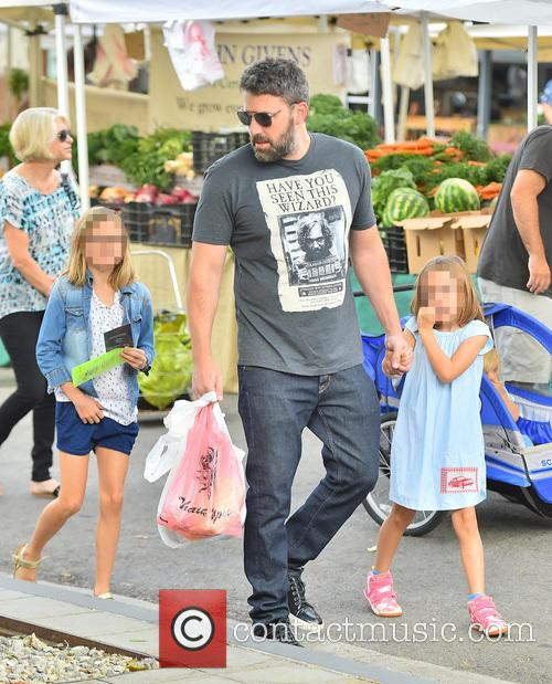 Ben Affleck, Seraphina Affleck and Violet Affleck 2